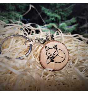 Klíčenka dřevěná liška spící